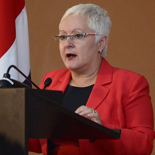 Dra. Patricia Fumero Vargas